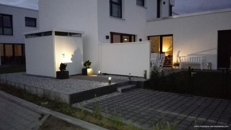 Modulare-Wandsysteme-150cm-Hohe-zur-Abtrennung-der-Terrasse-Aussenansicht