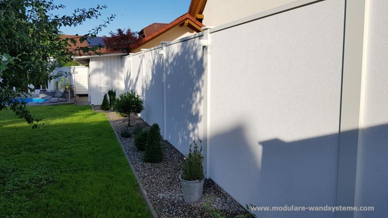 Modulare-Wandsysteme-Sichtschutz-Larmschutz-mit-Kiesstreifen