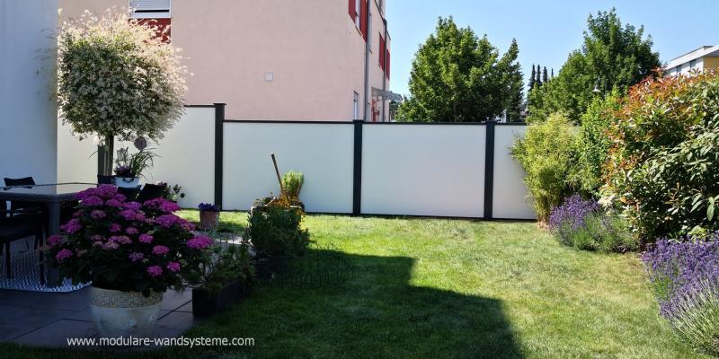 Modulare-Wandsysteme-Sichtschutz-im-Garten-und-an-der-Terrasse