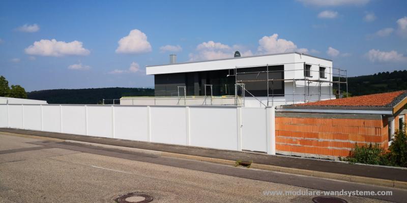 Modulare-Wandsysteme-Sichtschutz-Larmschutz-mit-Tre-Bauhausstil