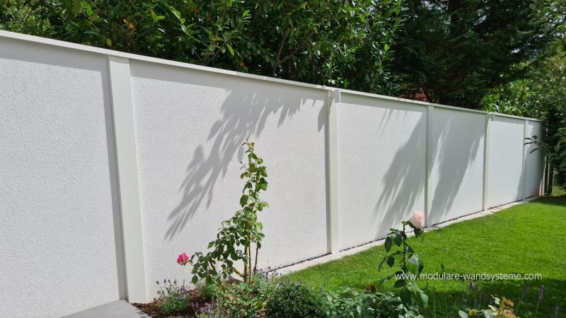 Modulare-Wandsysteme-Sichtschutz-unten-und-oben-schrag-an-das-Gelande-angepasst