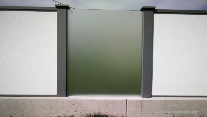 Modulare-Wandsysteme-Sichtschutz-mit-Glas