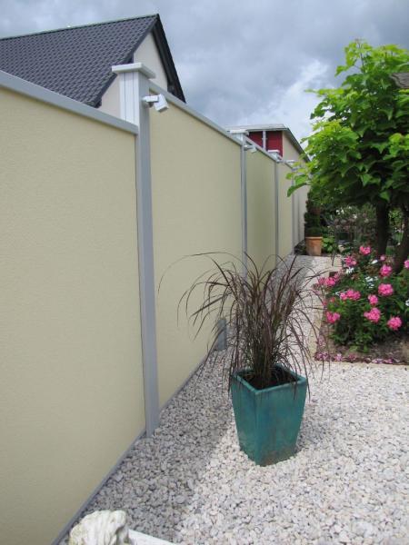 Modulare-Wandsysteme-Sichtschutzmauer