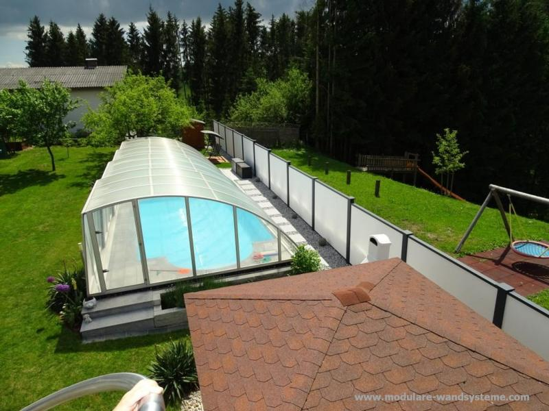 Modulare-Wandsysteme-Sichtschutz-fr-das-Schwimmbad