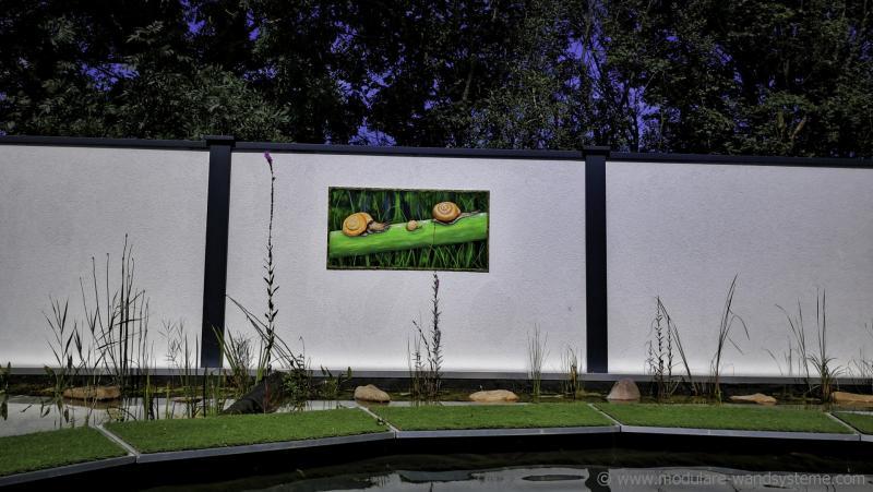 Acrylbild-mit-Schnecken-Andrea-Bastuck-Modulare-Wandsysteme