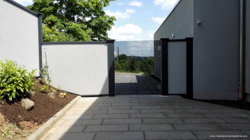 Modulare-Wandsysteme-Glastre-in-Grau