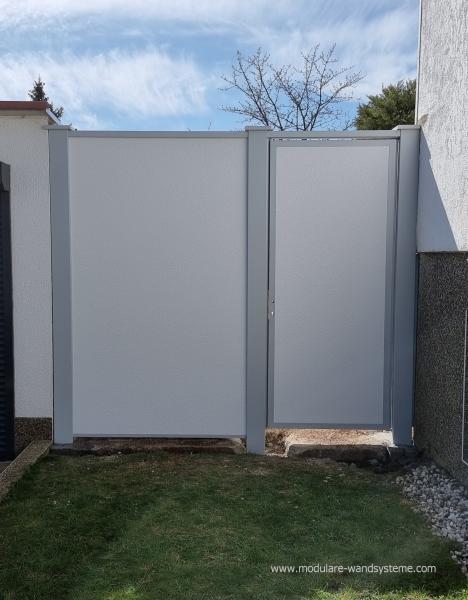 Modulare-Wandsysteme-Sichtschutz-zwischen-Garage-und-Haus-mit-Tre-250-m