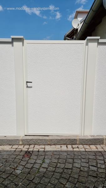 Modulare-Wandsysteme-VI-mit-eingebauter-Tre-in-Wandsystemoptik-blickdicht