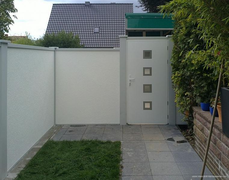 Modulare-WandsystemeGarteneinfreidungmiteingebauterTuer